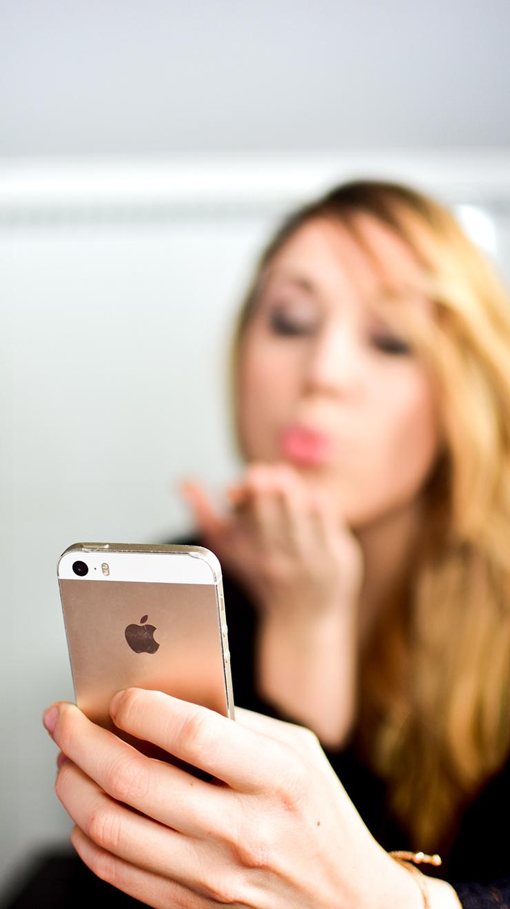 Lisa Smartphone3