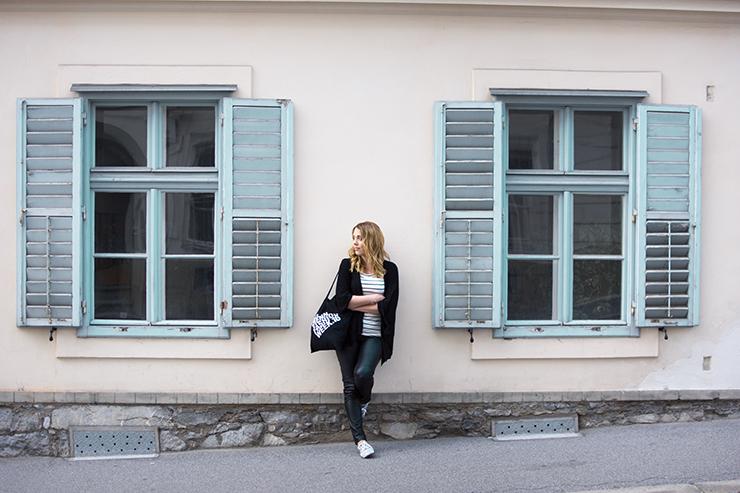 leatherpants-leather-lederhose-window