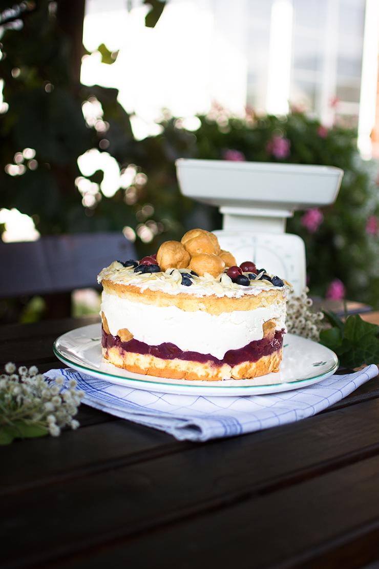 vanilla-cherry-naked-cake