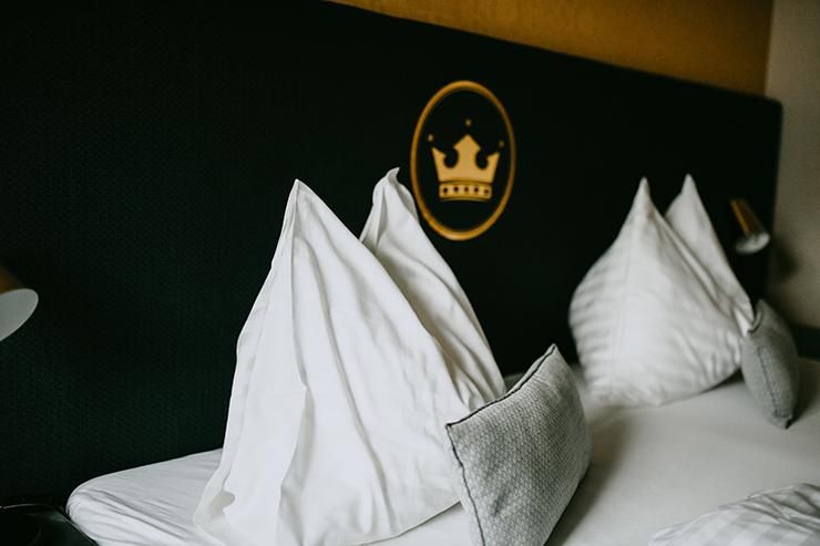 Hotel zur goldenen Krone Bett